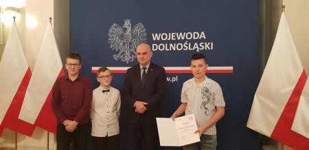 """Laureaci Wojewódzkiego Konkursu """"112 – ratuje życie""""."""
